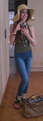 Jeggings, hat and jewelry by H&M, tank top Balmain, shoes Chloé and Fendi Peekaboo bag..