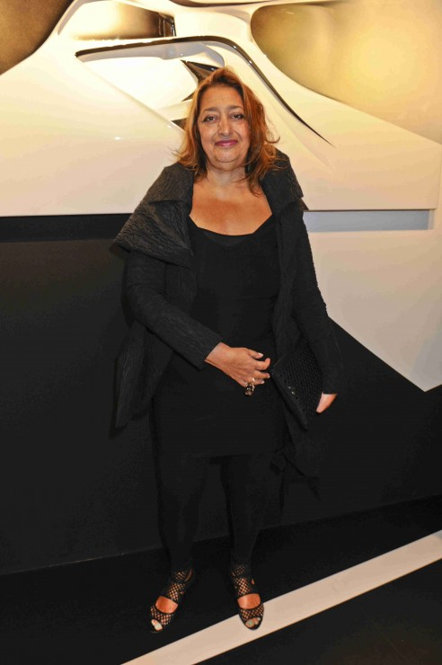 Zaha Hadid at the exhibition with Chanel`s turquoise nail polish Nouvelle Vague on her toes. I wonder if she reads Sandra`s Closet?!
