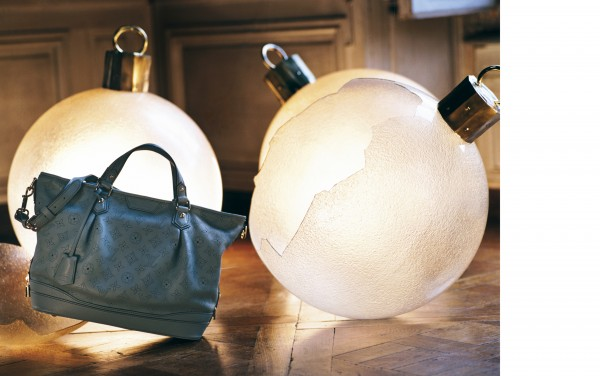 The Stellar bags in Mahina leather start at approximately at €2190.-.