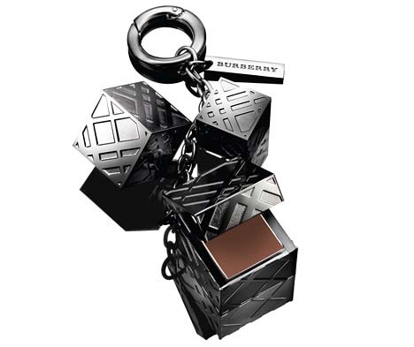 Burberry-Beauty-The-Lip-Charm1