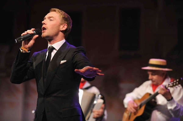 ...as well as Ronan Keating's performance on stage.