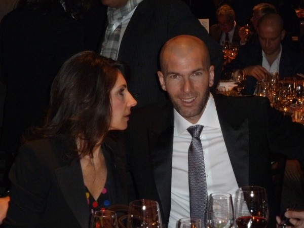 Zinédine Zidane with his wife Véronique at the table.