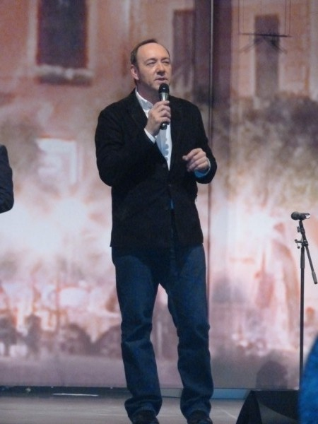 ...Kevin Spacey imitated Bill Clinton and sang for us...