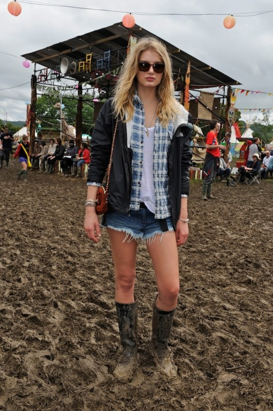Lily Donaldson with the Mini Carter in Fox Brown Suede