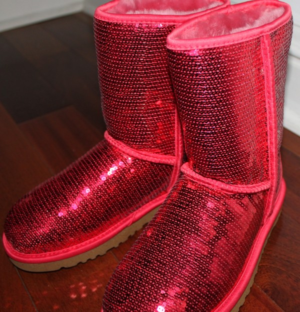 pink uggs with bows and sparkles