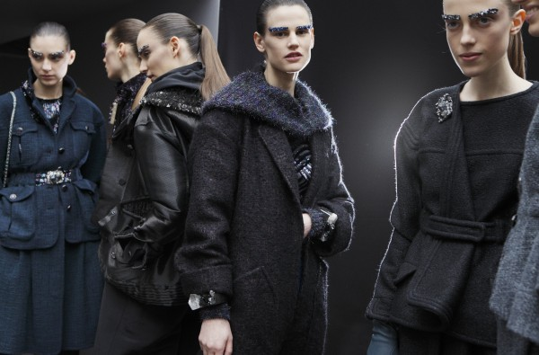 15 - 2012-13 FW RTW - Backstages in the Grand Palais by Benoît Peverelli