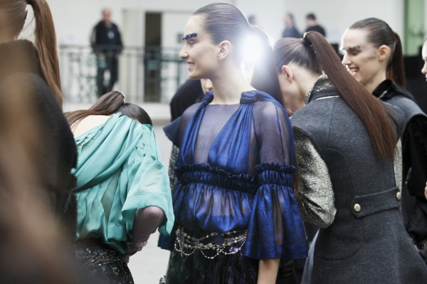 18 - 2012-13 FW RTW - Backstages in the Grand Palais by Benoît Peverelli