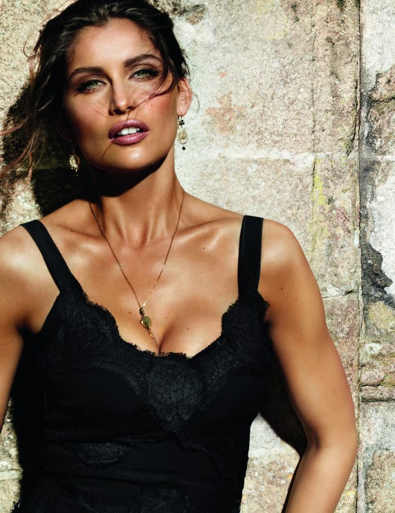 Laetitia Casta Announcement