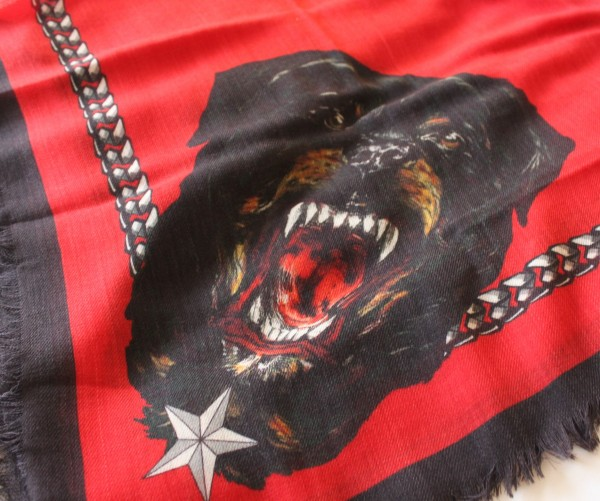 Rottweiler-Scarf-Givenchy