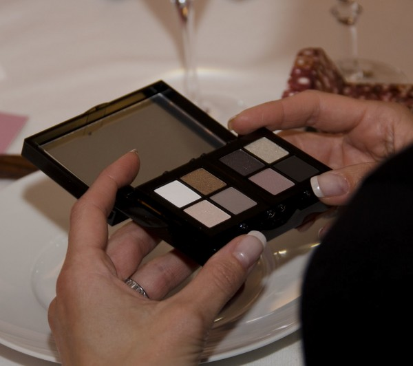Caviar_Oyster_Bobbi_Brown_Palette_dinner