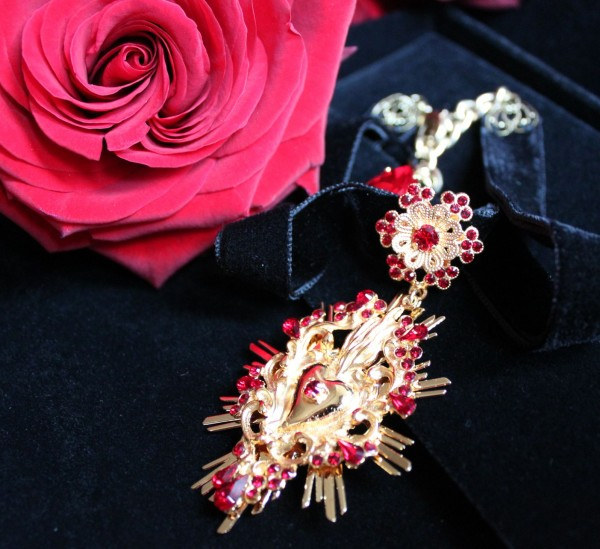 Dolce_Gabbana_Necklace_Velvet