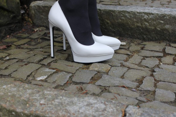 Saint_Laurent_shoes_white