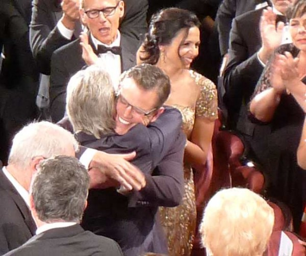 Michael_Douglas_Matt_Damon_Hugging