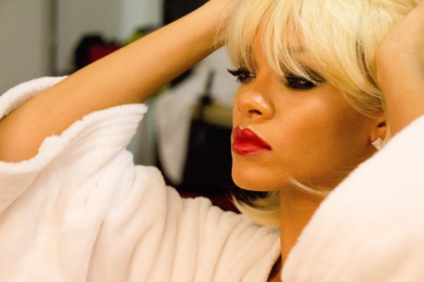 Viva Glam Rihanna_BTS Photo shoot_Courtesy of MAC Cosmetics_IMG_0787