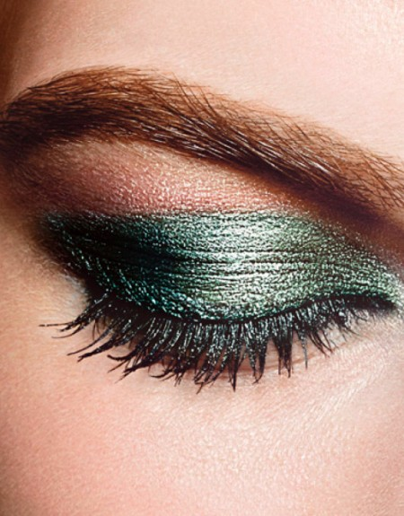 CHANEL-Eye-ALMOND-SHAPED-LOOK