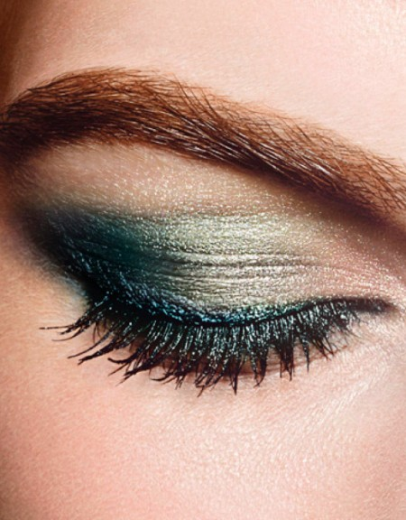 CHANEL-Eye-Makeup-INTENSE-EYES-close