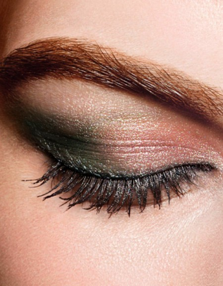 CHANEL-Eye-Makeup-NATURAL-EYES-x576