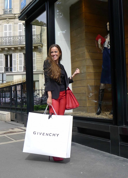 Sandra Bauknecht in Paris Shopping