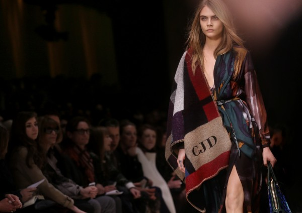 Burberry Prorsum Womenswear Autumn_Winter 2014 Show in Londo_002