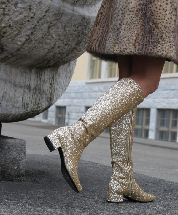 Saint Laurent Glitter Boots in Gold