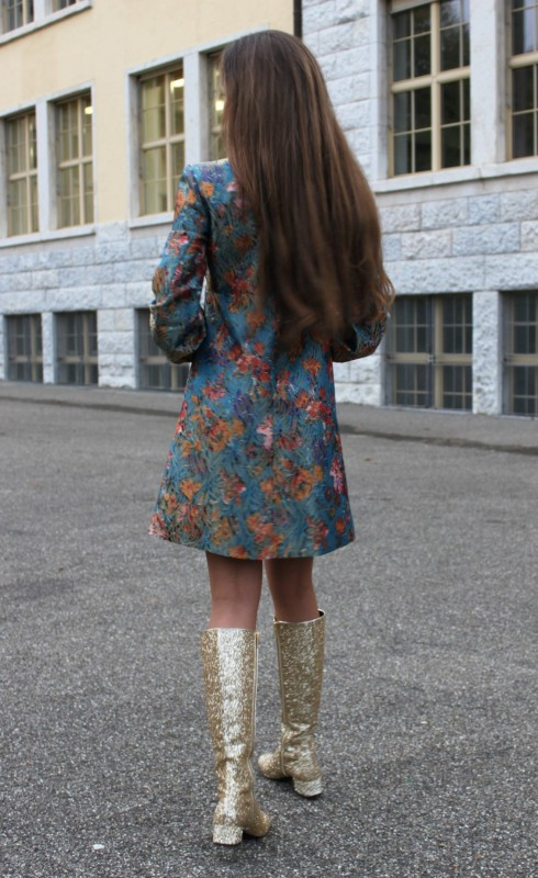Sandra Bauknecht i Saint Laurent Brocade dress