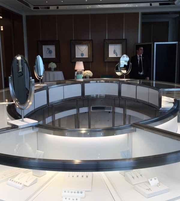 Tiffany_Store_Geneva_Inside