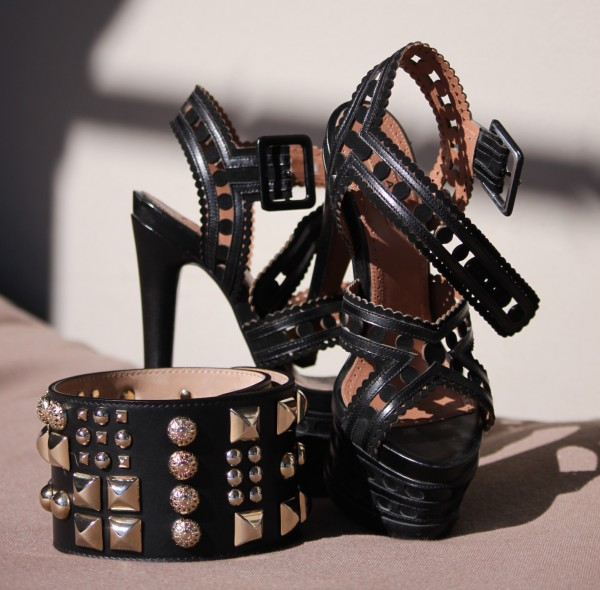 Sandra_Bauknecht_Matthew_Williamson_Belt_Alaia_Heels