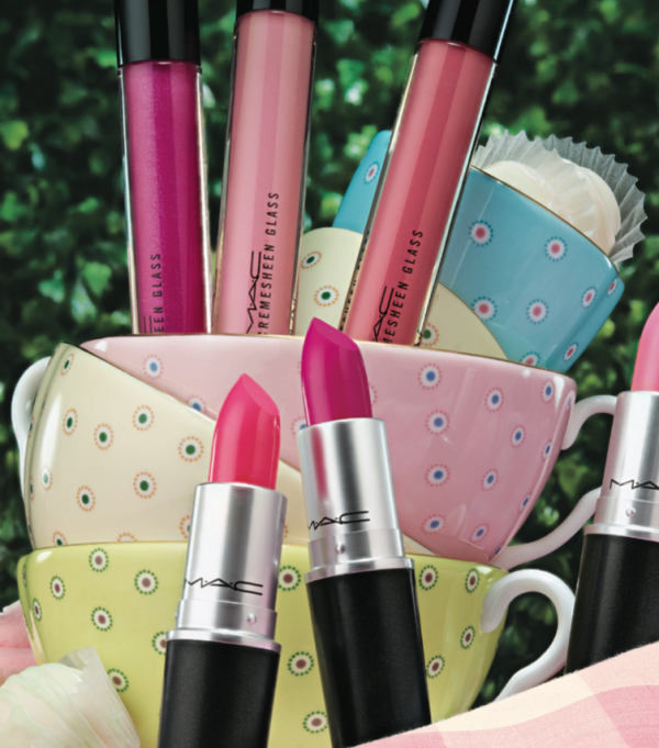 MAC-Cosmetics-Flamingo-Park-lipstick-Cremesheen-Glass