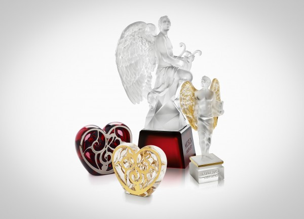 elton-john-music-is-love-auction-paddle8-Lalique-sa-1
