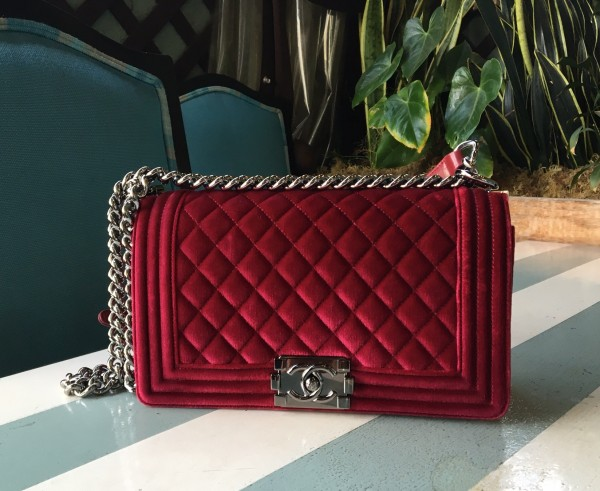 chanel velvet bag. chanel boy bag red velvet · sandra_bauknecht_gucci_dress_chanel_boy_bag_velvet-3 sandra_bauknecht_gucci_bow_heels_gucci_ruffled_dress