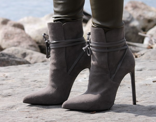 Paris_Laced_Ankle_Boots_Saint_laurent