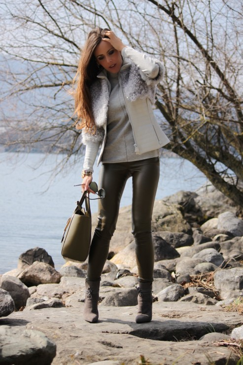 Sandra_Bauknecht_Akris_Grey_Jacket_14