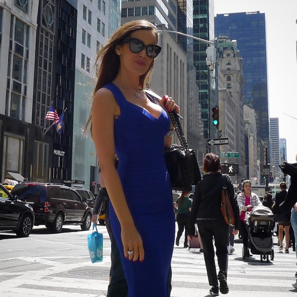 Sandra_Bauknecht_Herve_leger_DRess_Blue_1