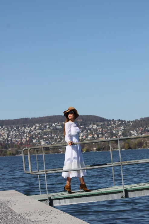 Sandra_Bauknecht_Philosophy_di_Lorenzo_Serafini_White_DRess_Fashion_Vestis_12