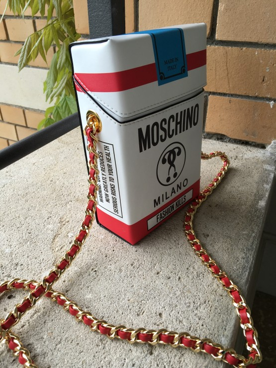 Moschino_cigarette_Bag