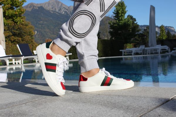 sandra_bauknecht_grand_resort_bad_ragaz_kenzo_chloe_gucci_sneakers