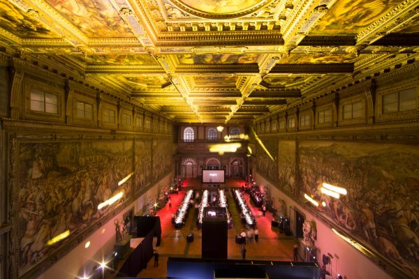ap_royal_oak_frosted_gold_launch_12_palazzo_vecchio_firenze_officergb