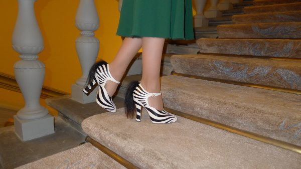 sandra_bauknecht_audemars_piguet_florence_dolce_gabbana_watch_dress_gucci-shoes_zebra