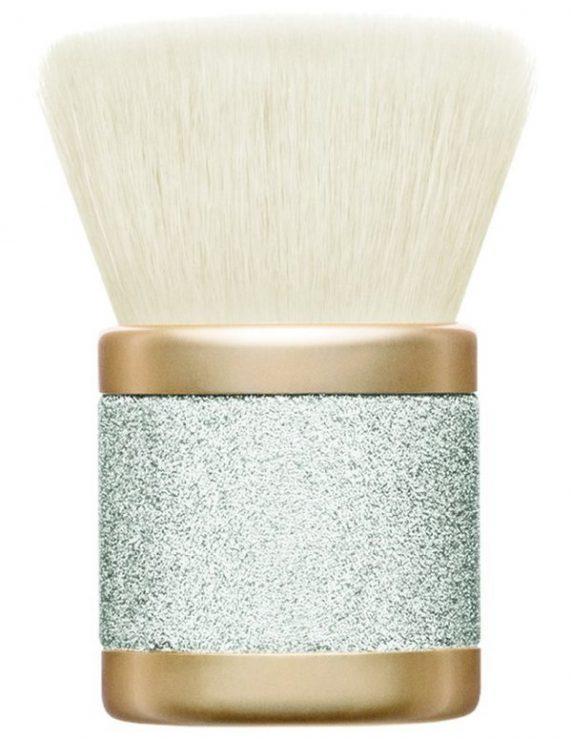 mac-cosmetics-mariah-carey-holiday-2016-buffer-brush