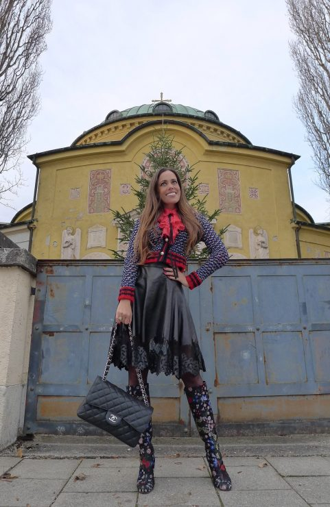 sandra_bauknecht_munich_valentino_boots_gucci_cardigan_gucci_blouse_jason_wu_leather_skirt-4