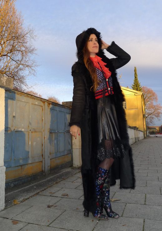 sandra_bauknecht_munich_valentino_boots_gucci_cardigan_gucci_blouse_jason_wu_leather_skirt-6