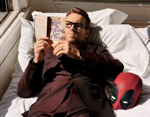 1216-GQ-FERR05-01-Ryan-Reynolds-Deadpool-03