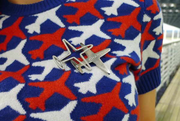 Chanel_Brooch_airplane